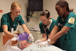Baylor Nursing Students in Hospital Room